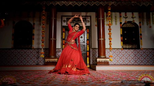 A Classic Sangeet Ceremony With A Picturesque Bride...